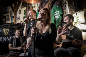Mac Gownas Irish Pub Oberursel - unplugged